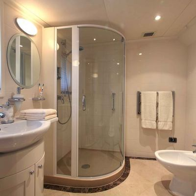 Asteria Yacht VIP Bathroom