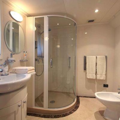 Asteria Yacht VIP Bathroom
