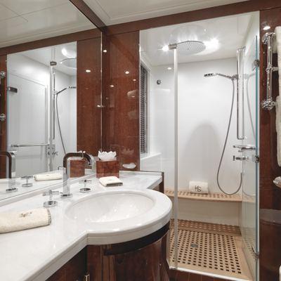 Kadimo's Yacht Guest Bathroom