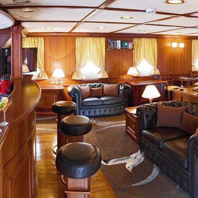 Seagull II Yacht Salon Bar