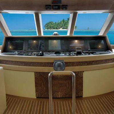 Perle Bleue Yacht Pilothouse
