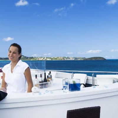 Elegant 007 Yacht Sundeck - Bar