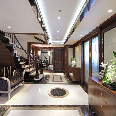 Seanna Yacht Lobby