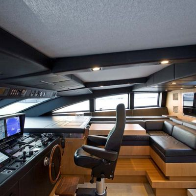 Seakid Yacht Pilothouse & Seating
