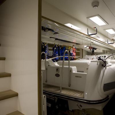 Hana Yacht Garage