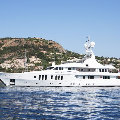 Talisman Maiton Yacht At Anchor