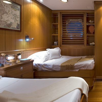 Heritage Yacht Twin Stateroom