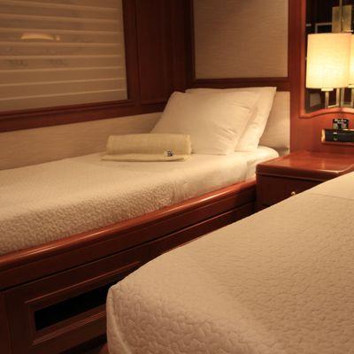 Brunello Yacht Twin Cabin