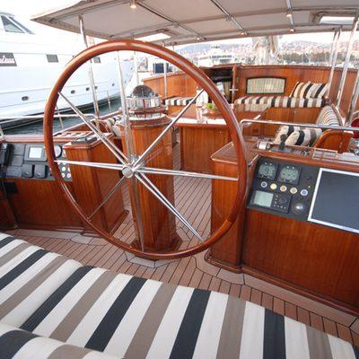 Gweilo Yacht Wheelhouse