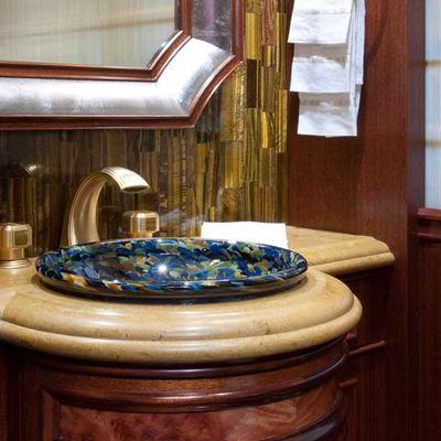 Avalon Yacht Guest Bathroom - Detail