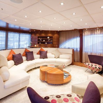 Northlander Yacht Main Saloon
