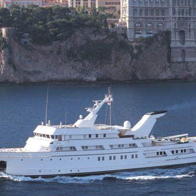 Esmeralda Yacht Running Shot