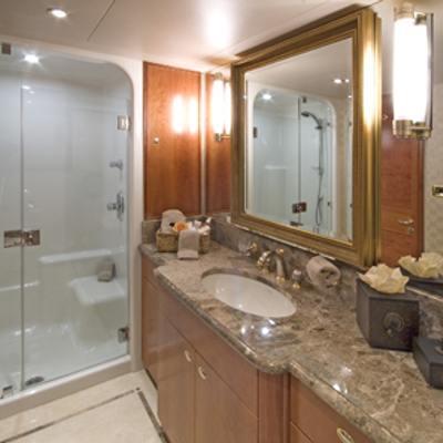 Serengeti Yacht Shower Room