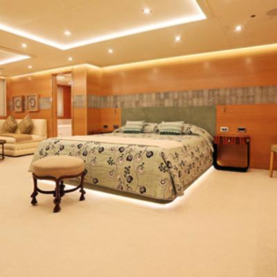 DB9 Master Stateroom