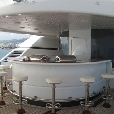 Sarah Yacht Bar