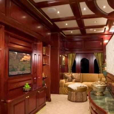 Amarula Sun Yacht Master Stateroom - Lounge
