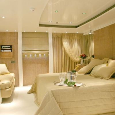 Elegant 007 Yacht Guest Stateroom - Neutral