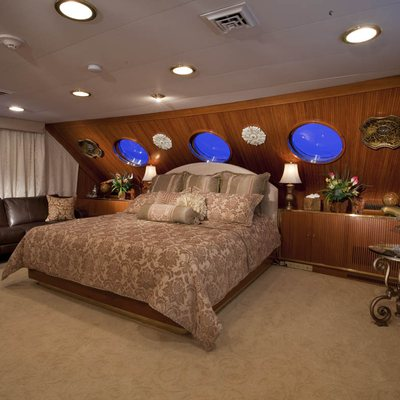 Golden Compass Yacht VIP Stateroom
