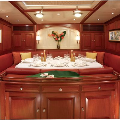 Meteor Yacht Dining