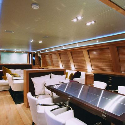 Escape II Yacht Dining & Salon