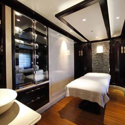 Seanna Yacht Treatment Room