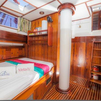 Meta IV Yacht
