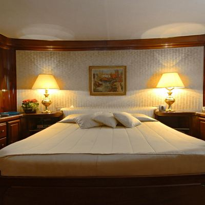 Intuition Lady Yacht Master Stateroom