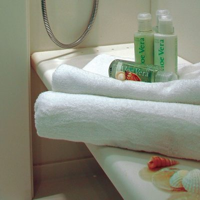 Elegant 007 Yacht Guest Stateroom - Towels
