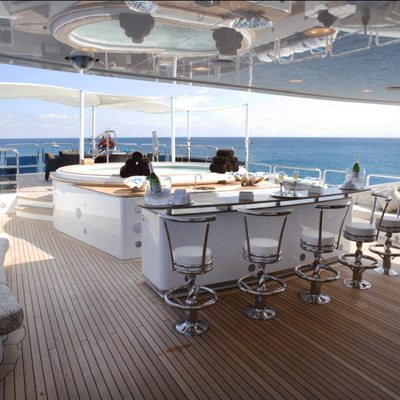 Diamonds Are Forever Yacht Bar & Jacuzzi
