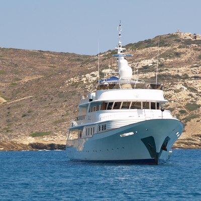 Shake N Bake TBD Yacht At Anchor - Front View