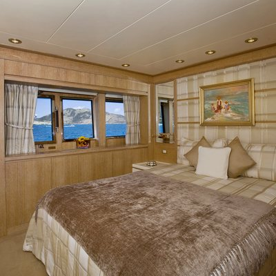 Te Manu Yacht Neutral Guest Stateroom
