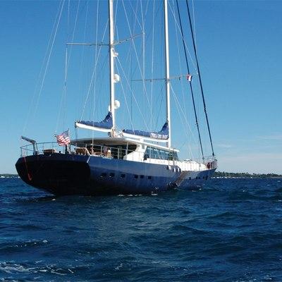 Perla del Mare Yacht Stern