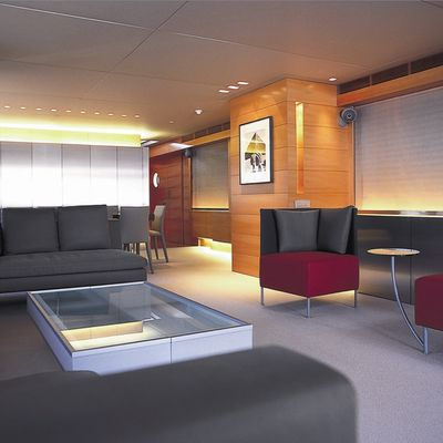 Phoenix Yacht Salon - Forward