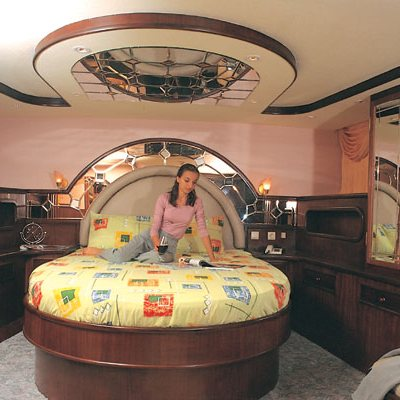 Golden Head Yacht Stateroom