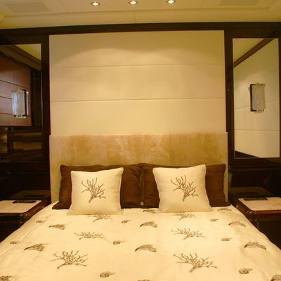 Voyage Yacht Guest Stateroom