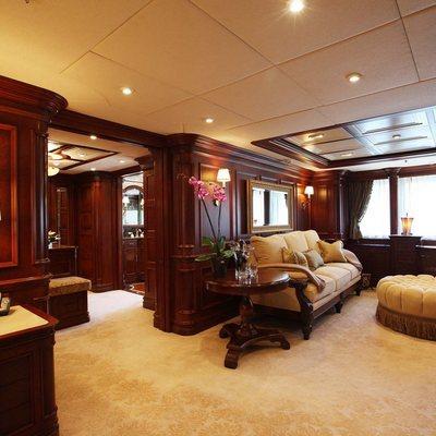 Nomad Yacht Master Lounge