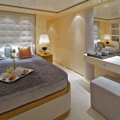 Mia Rama Yacht Blue Guest Stateroom - Bed