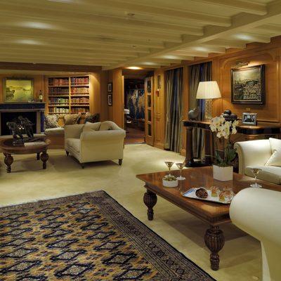 Christina O Yacht Lapis Lounge