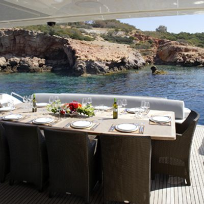 Dragon Yacht Exterior Dining