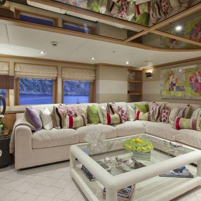 Big Change II Yacht Skylounge