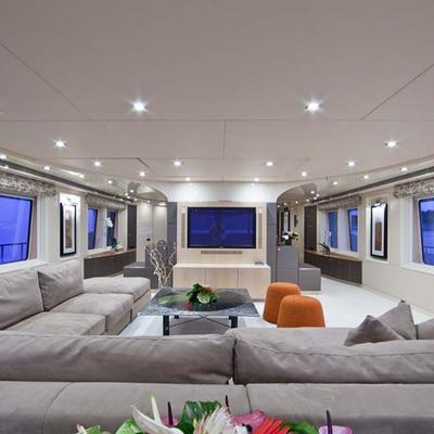 Ohana Yacht Main Salon Overview