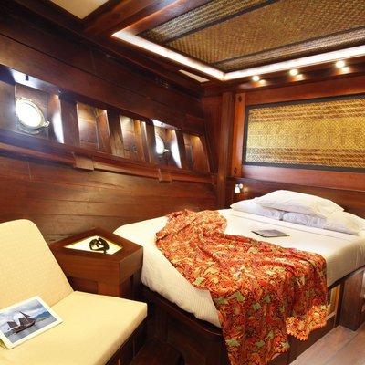 Dunia Baru Yacht