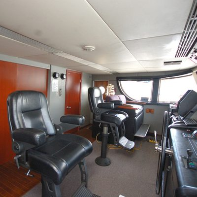 Stargazer Yacht Pilothouse