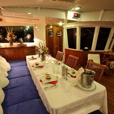 Douce France Yacht Cockpit dining