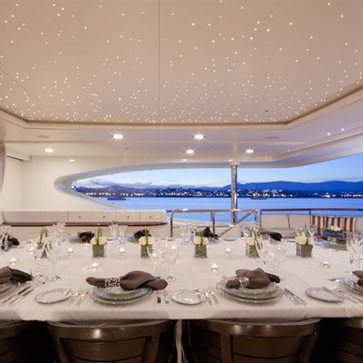 Latitude Yacht Upper Deck Table Setting