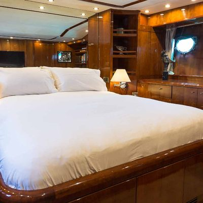 Raymond Du Puy Yacht