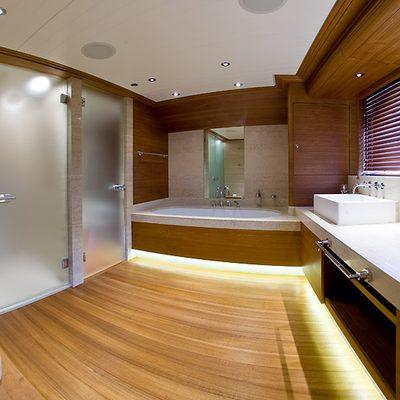 Va Bene Yacht Master Bathroom