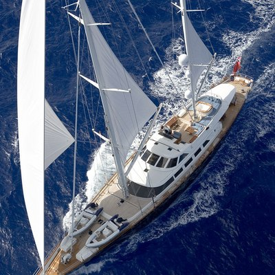 Antara Yacht Running Shot - Overhead