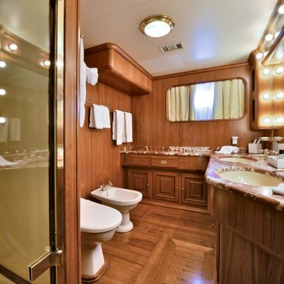 Number Nine Yacht VIP Bathroom