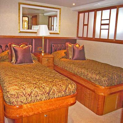 Arms Reach Yacht Twin Stateroom